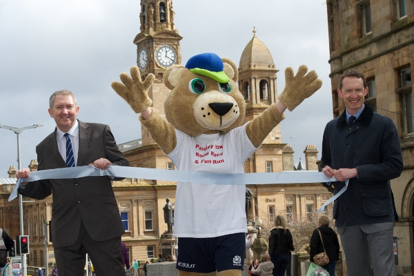 Launch photo Paisley 10k (600x400)